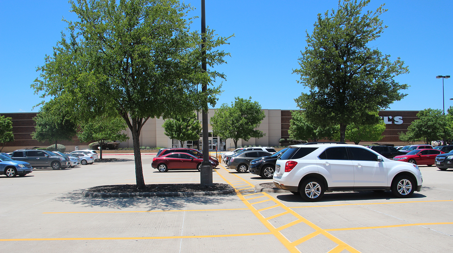 Kohl's Anchored Pad Site Arlington featured image