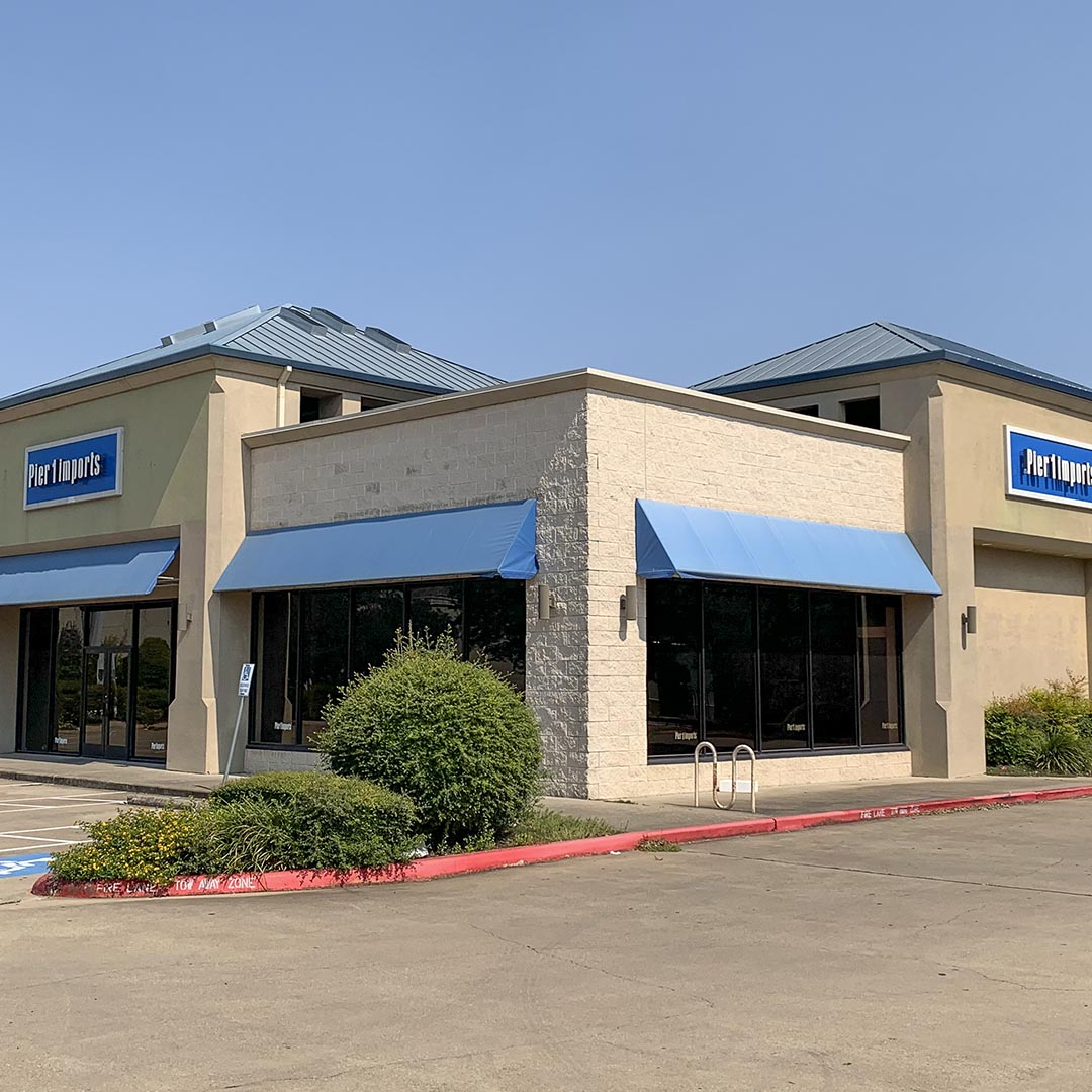 Freestanding Building on US-290 & Hwy 77 featured image