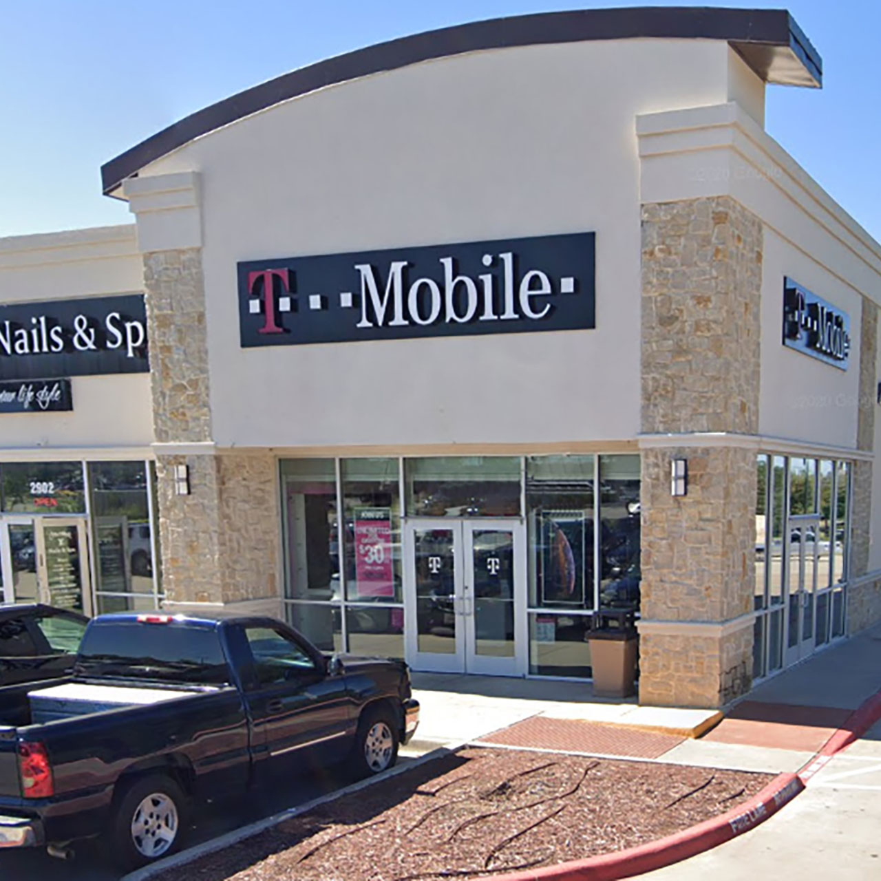 Former T-Mobile Store For Lease featured image
